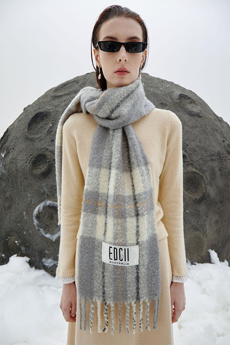 经典米灰棉花糖羊毛围巾