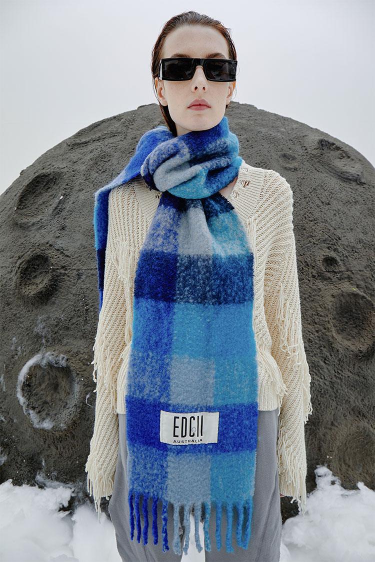 夜幕蓝棉花糖羊毛围巾