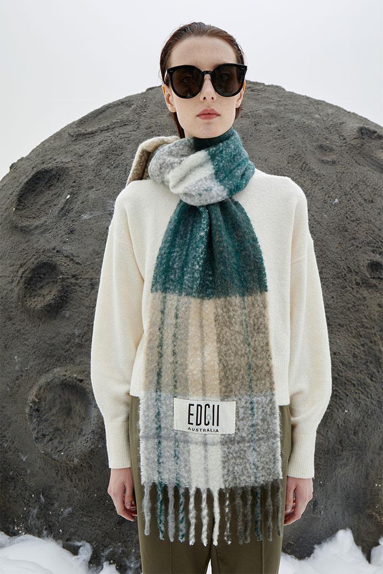 常青藤灰绿棉花糖羊毛围巾