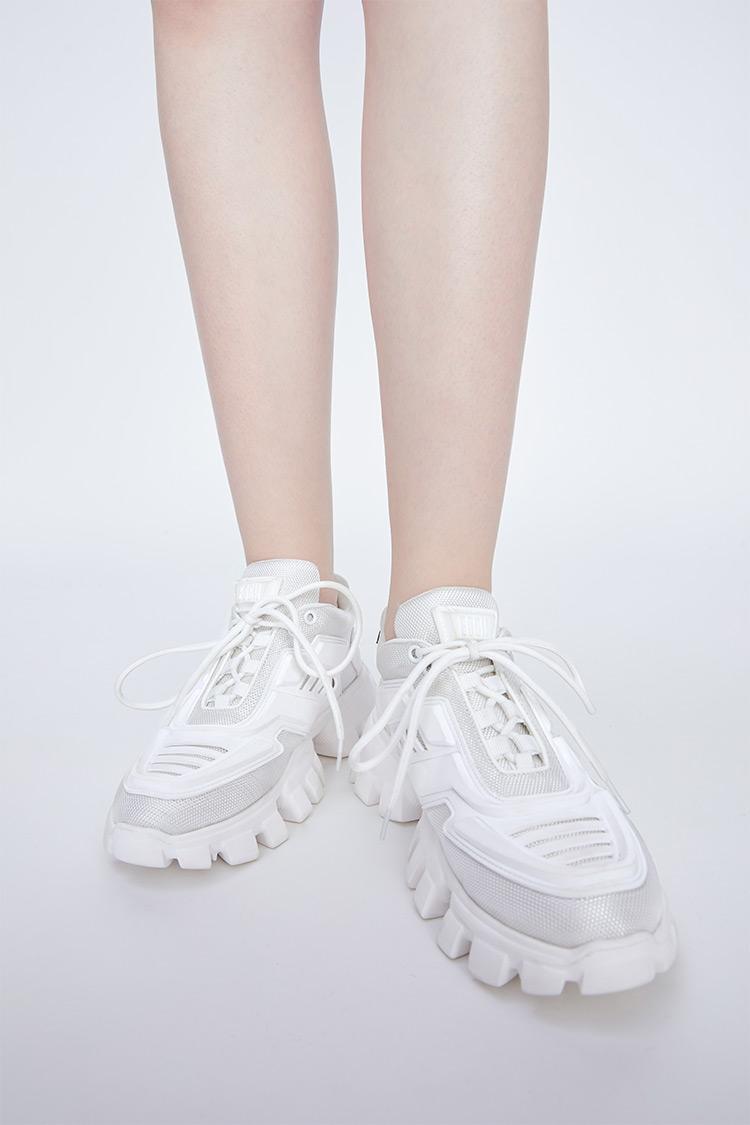 撞色厚底运动休闲鞋白色