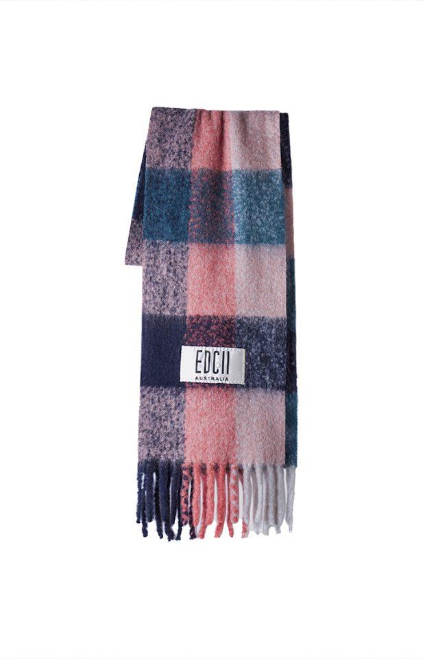 薄雾玫瑰格纹棉花糖羊毛围巾